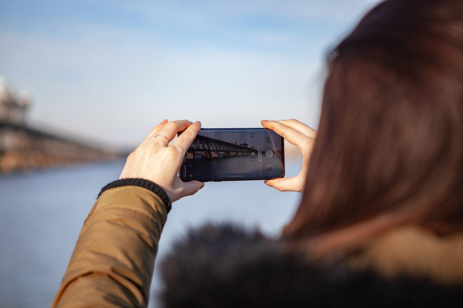 Lubisz utrwalać piękne chwile na telefonie? Pomyśl o Samsungu Galaxy A40