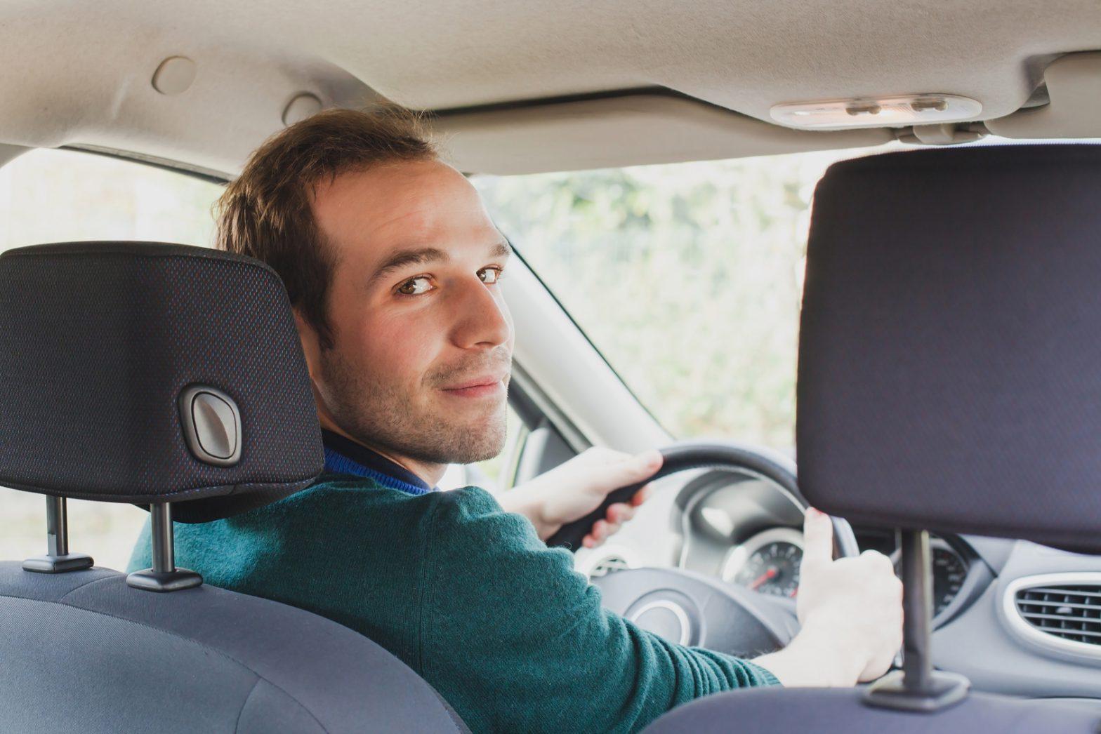Monitoring prywatnego samochodu – dlaczego warto go założyć?