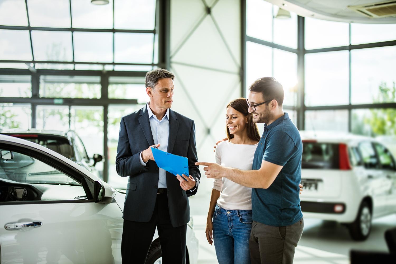 Na co zwracać uwagę przy lekturze regulaminów wypożyczalni aut?