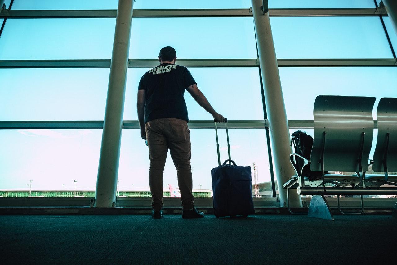Jak wybrać najlepszą walizkę podróżną? Poradnik.